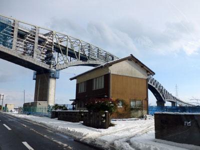 下から見た境水道大橋の画像(島根県側から)