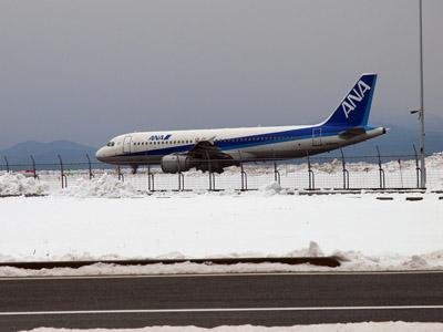 米子空港第3駐車場から撮影したA320-200