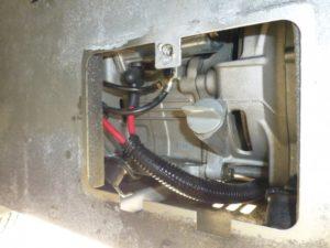 キャンピングカーデイブレイクの発電機オイルプラグ