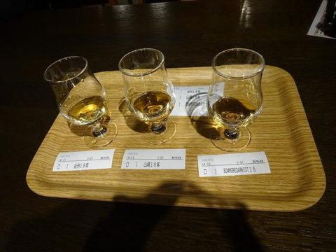 サントリー白州蒸留所のバーで飲み比べ