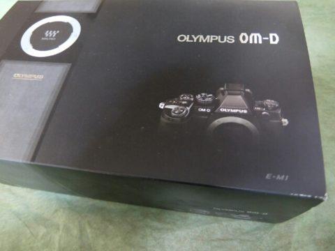 オリンパス一眼レフ OM-D E-M1 12-40F2.8レンズキットを購入しました