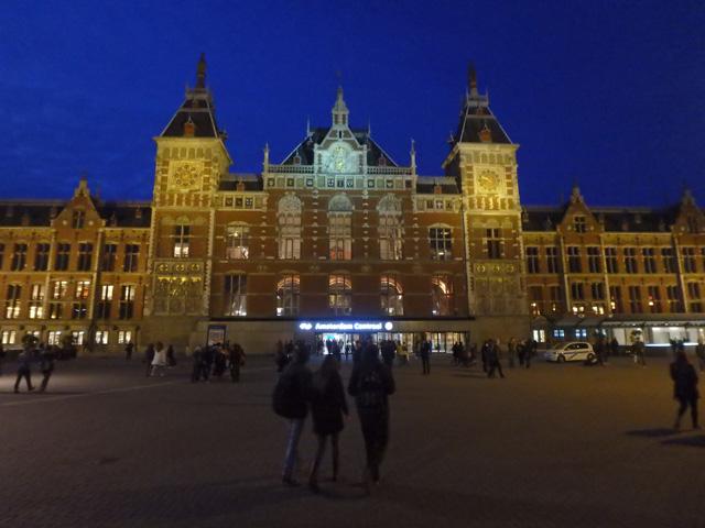 アムステルダム中央駅の夜景オリンパス