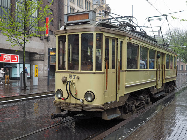オランダ デンハーグで乗ったレトロなトラム、路面電車