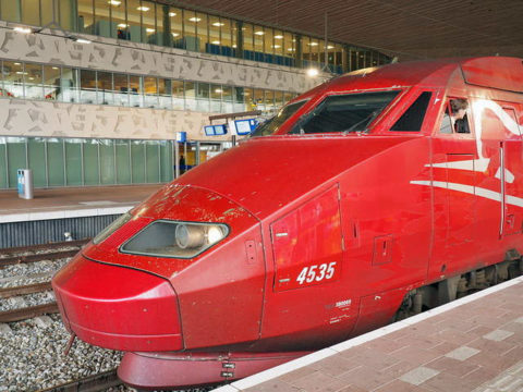 タリス 先頭車両の画像ロッテルダム駅