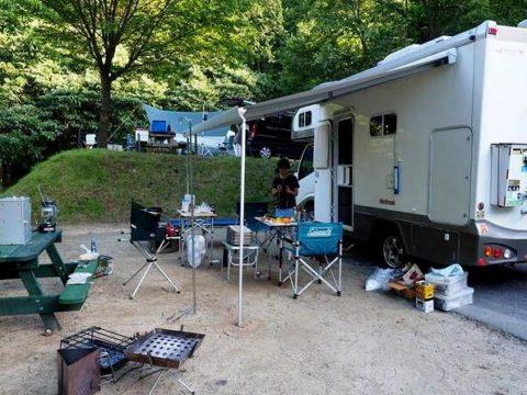 駒ヶ根オートキャンプ デイブレイク キャンピングカー