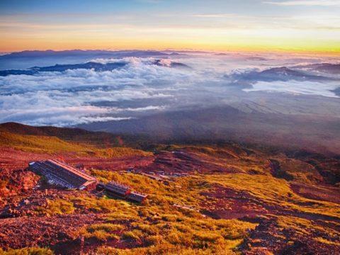 富士山8合目の朝焼けの風景(GoogleフォトのHDR)
