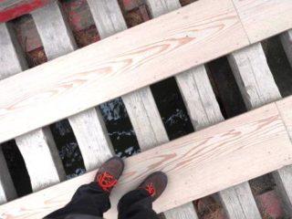 宮城県松島五大堂に架かる透かし橋海面が良く見える