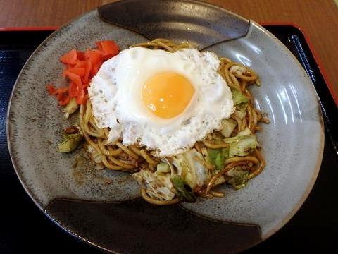 秋田自動車道錦秋湖SAで食べた横手やきそば
