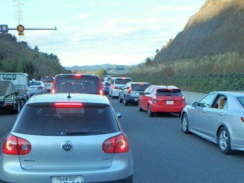 新東名事故渋滞