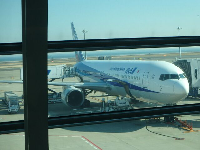 羽田空港のANAボーイング