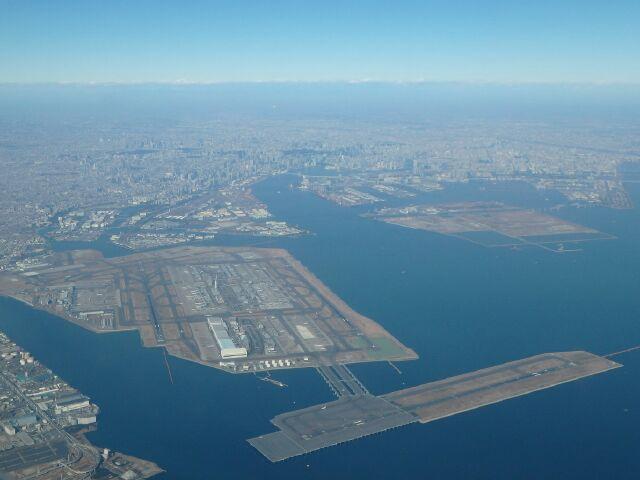 機内から撮影した羽田空港