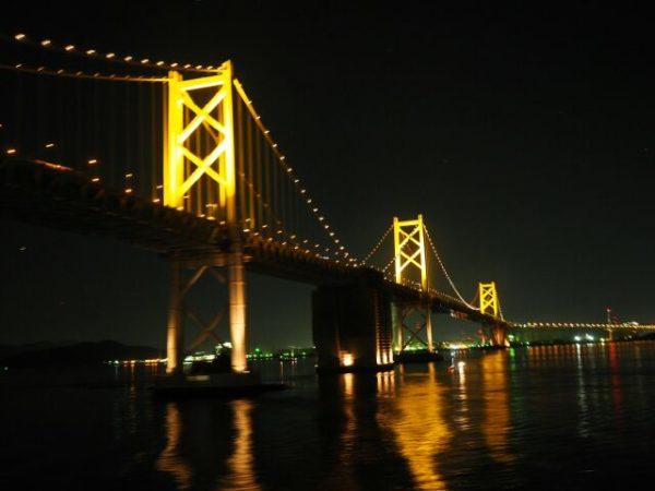 阪九フェリー新造船「いずみ」から撮影した夜の瀬戸大橋