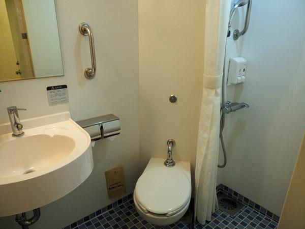 太平洋フェリーいしかりの1等和洋室トイレ・シャワールーム
