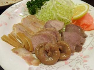 赤羽の八起の豚ホルモンの煮物