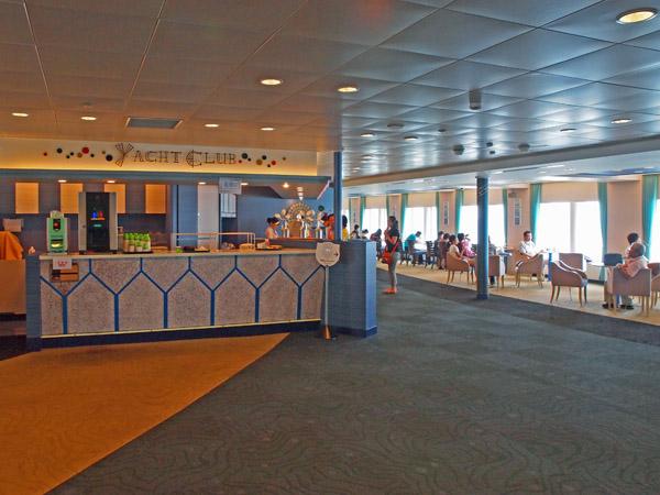太平洋フェリーのいしかり、スナックコーナー(スタンド)のヨットクラブ