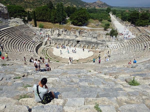 トルコのエフェソス遺跡の円形劇場
