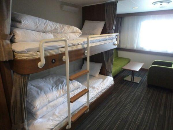 青函フェリーのはやぶさのステートルーム、2段ベッド