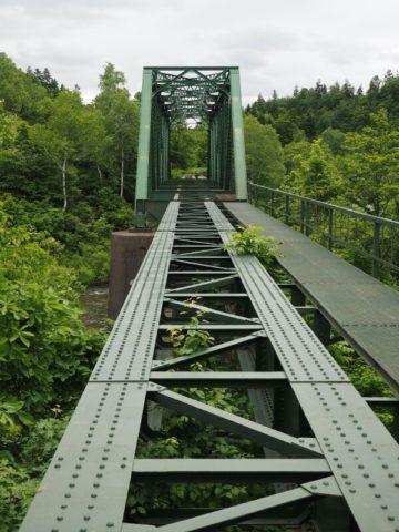 旧深名線第三雨竜川橋梁の正面