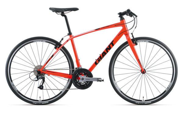 ジャイアントのクロスバイク、エスケープRX3の画像。カラーはネオンレッド