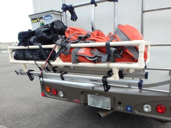 サイクルキャリア(オムニバイク)を利用したカーゴキャリアをイレクタ―で作成、ダイビング器材を積載