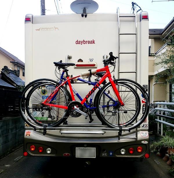 キャンピングカーデイブレイクで新たに購入したクロスバイク2台を自宅へ運搬。ジャイアントRX3,ジオス MISTRAL