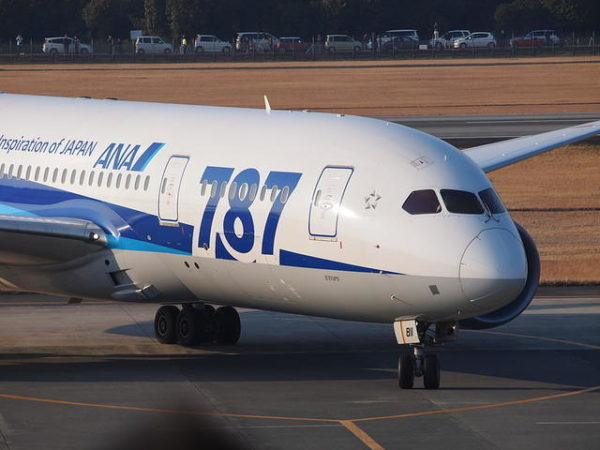 ANAのボーイング787、熊本空港