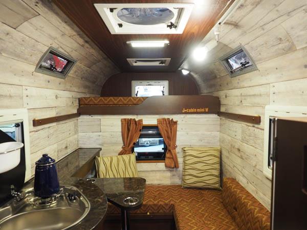 ミストラルJ cabinmini Wの車内