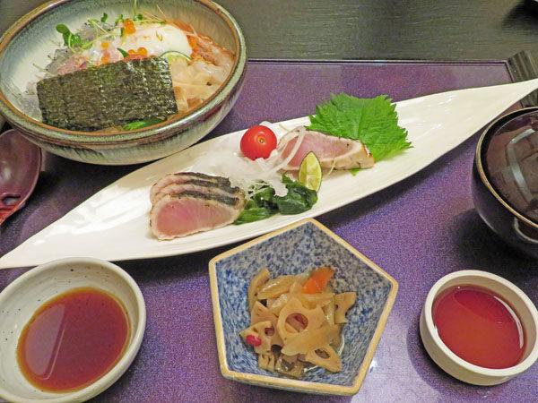 淡路島にある海鮮料理店きとら、生シラス丼とサワラのたたき