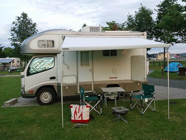北海道日の出公園キャンプ場のキャンピングカー、デイブレイク