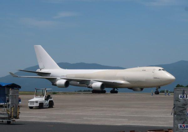 鹿児島空港のN476MC アトラスエアのジャンボ
