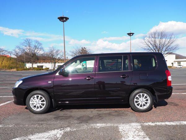 トヨタ・サクシードの左サイド画像