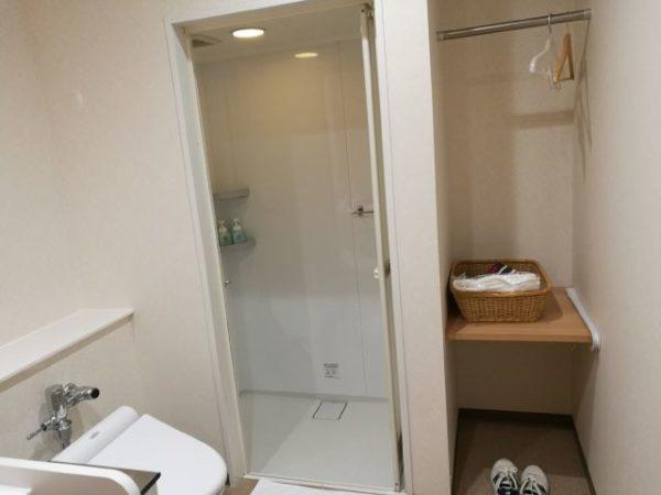 成田空港第1ターミナルのシャワー室