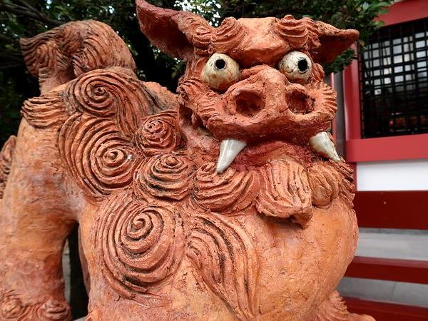 那覇市の神社、波上宮の狛犬(シーサー)の画像