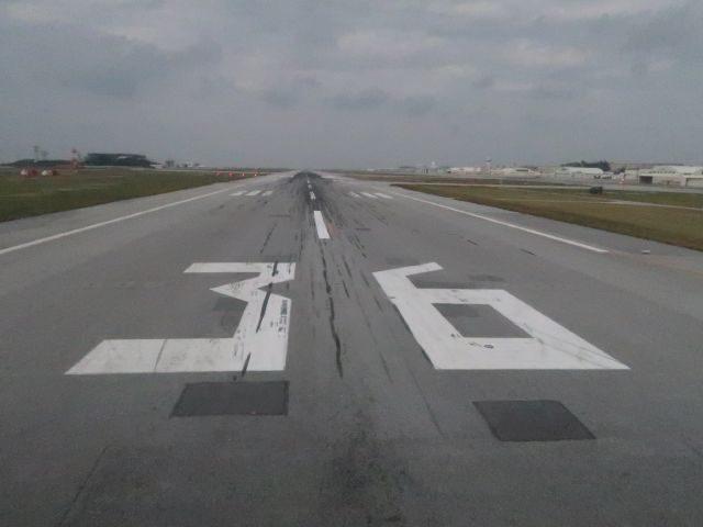 那覇空港の滑走路36端