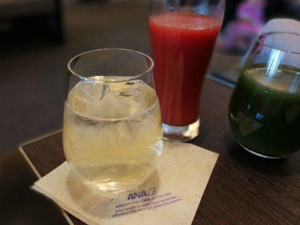 羽田空港国内線ターミナルラウンジで飲んだもの