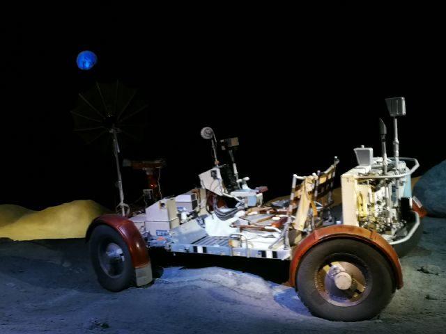 スペースセンターヒューストン、月面自動車の展示