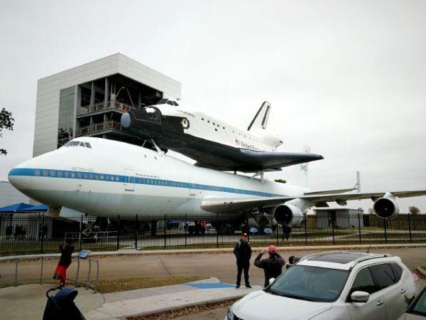 ヒューストン宇宙センターのジャンボとスペースシャトル