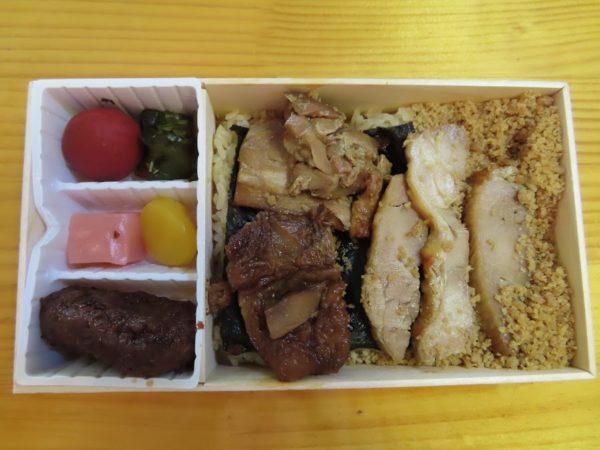 たかべん「鶏めし弁当」の中身