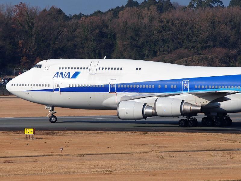 ANAボーイング747-400