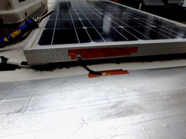 アース(RFグランド)として太陽光パネルも接続